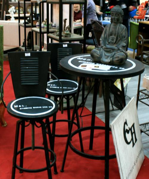 Quadra Mobila table