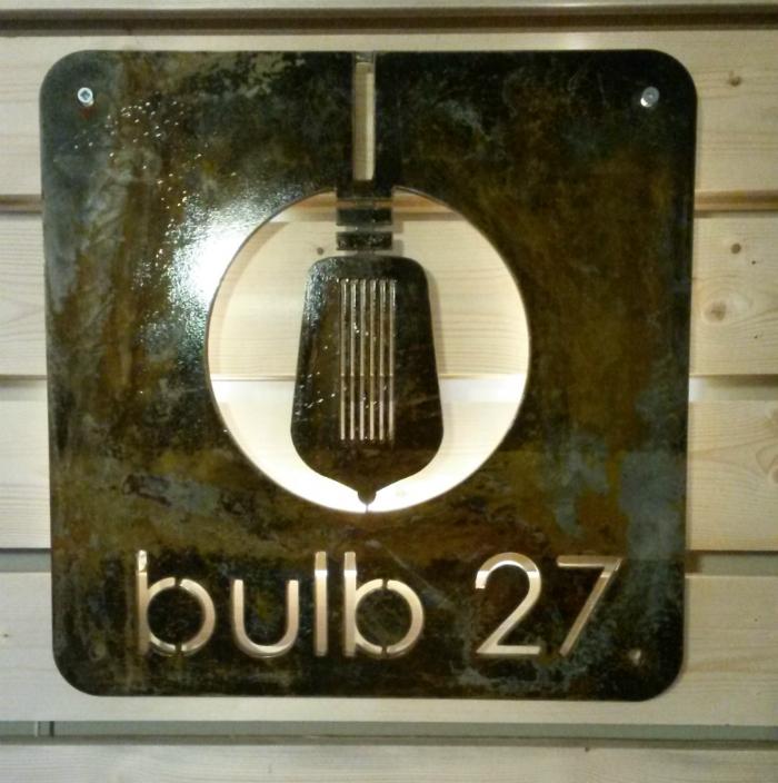 Logo_Bulb_27