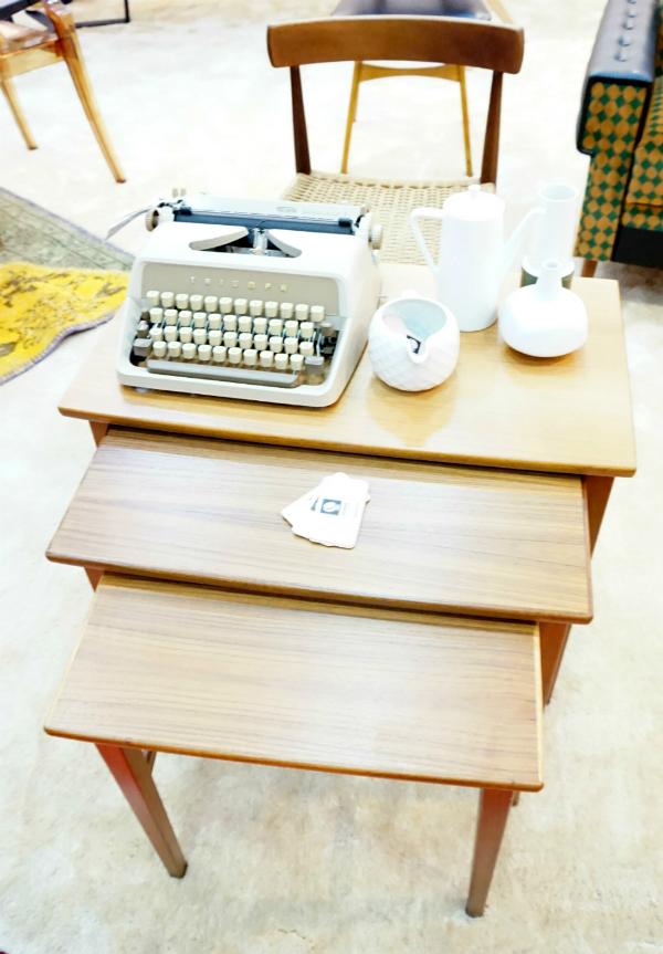 Retros Furniture
