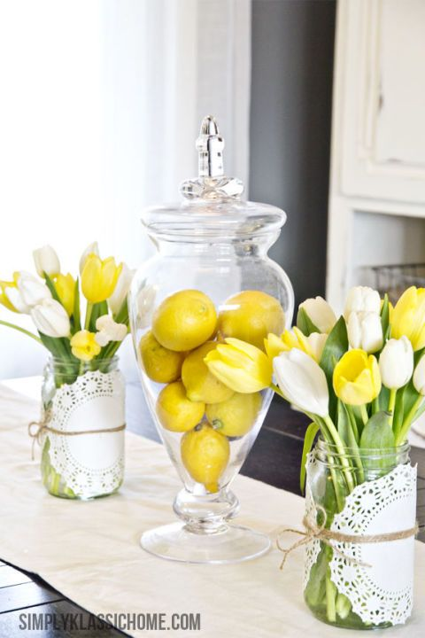 Central piece Easter table