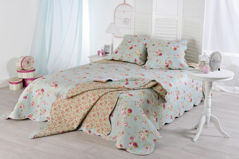Shabby Chic set bedspread and pillow cases Lolita