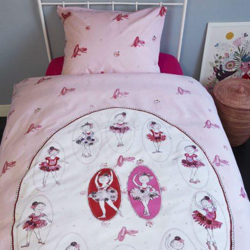 Lenjerie pat fete balerine si poante roz - Catalog