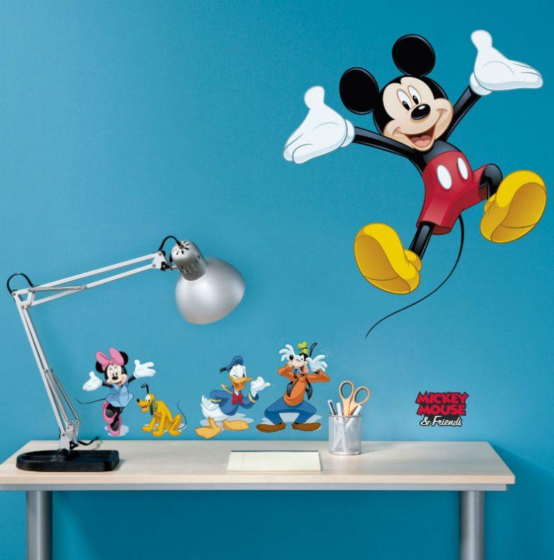 Sticker Mickey Mouse si Prietenii