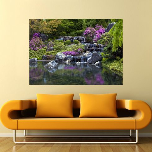 Fototapet cascada cu flori violet