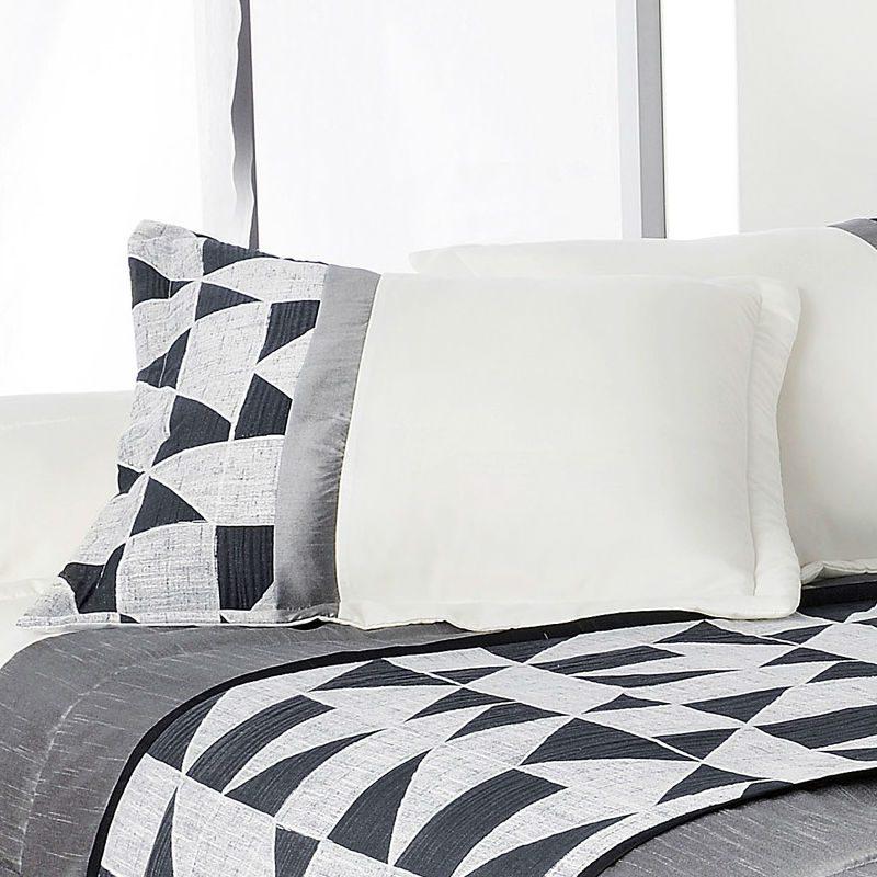 Cuvertura de pat moderna Bingo - Detaliu perne