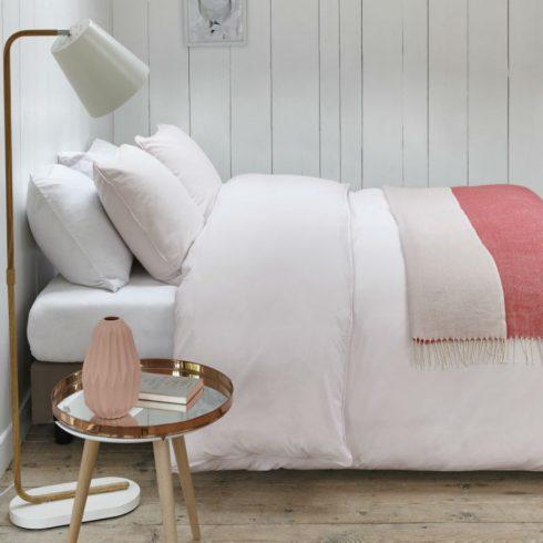Lenjerie de pat roz deschis Catalog