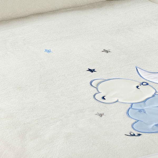 Paturica copii pufoasa alba cu ursulet bleu Detaliu