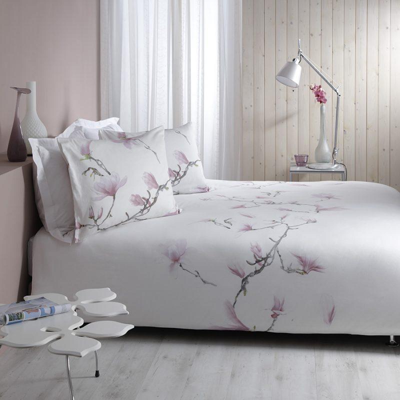 Lenjerie pat dublu alba cu magnolii roz