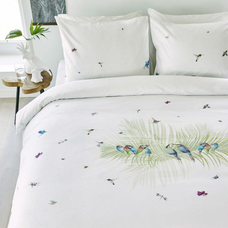 Lenjerie pentru pat alba cu pasari colibri - Ambient