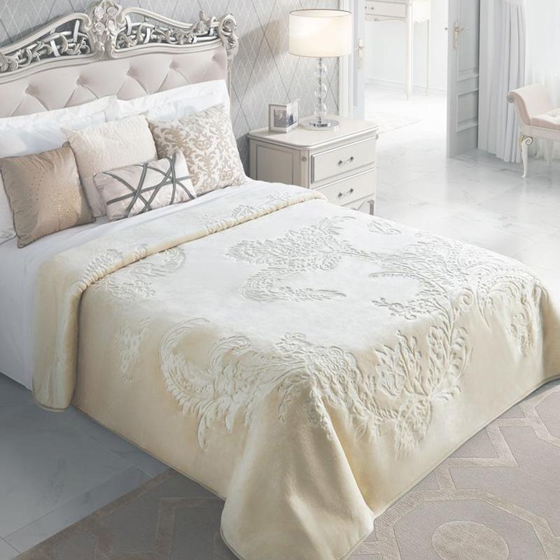 Cuvertura dormitor embosata crem deschis
