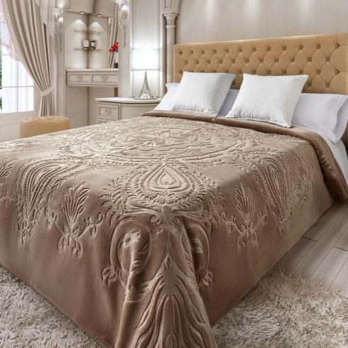 Cuvertura dormitor embosata maro